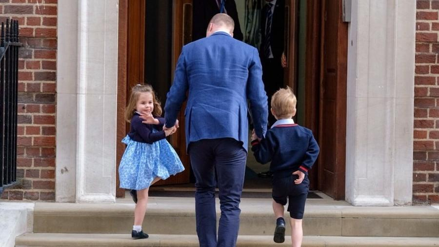 Princesa Charlotte e príncipe George vão ao hospital conhecer o novo irmão - Reprodução/Twitter/Kesington Palace