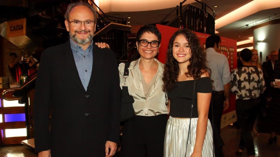 """Ernesto Paglia, Sandra Annenberg e Elisa vão ao espetáculo """"Bibi - Uma Vida em Musical"""" - Marcos Ribas/Brazil News"""