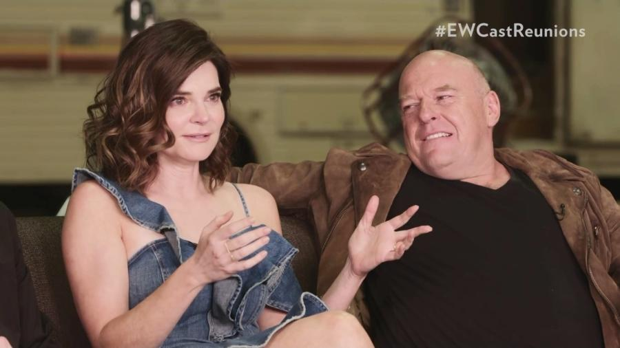 "Betsy Brand e Dean Norris relembram ""Breaking Bad"" - Reprodução/Entertainment Weekly"