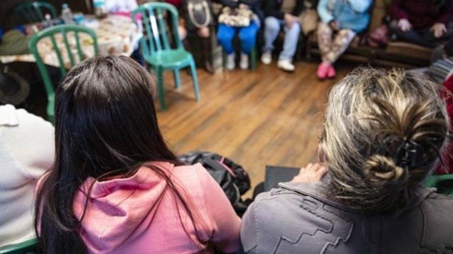 Prostitutas que trabalham no parque Jardim da Luz se reúniram para discutir o futuro do local - Gui Christ