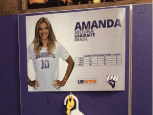 No vestiário, Amanda tem seu próprio espaço - Divulgação