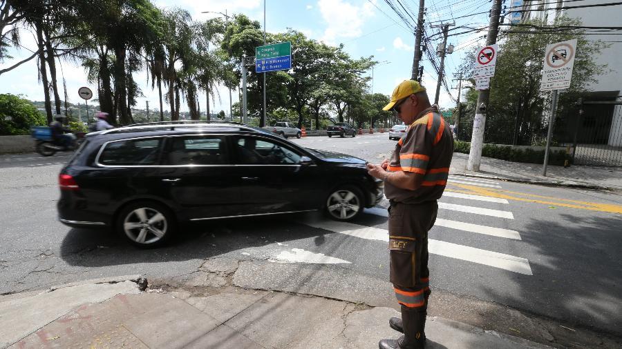Substitutivo prevê alterações no CTB relacionadas a multas de trânsito, licenciamento do veículo e identificação veicular - Rivaldo Gomes/Folhapress
