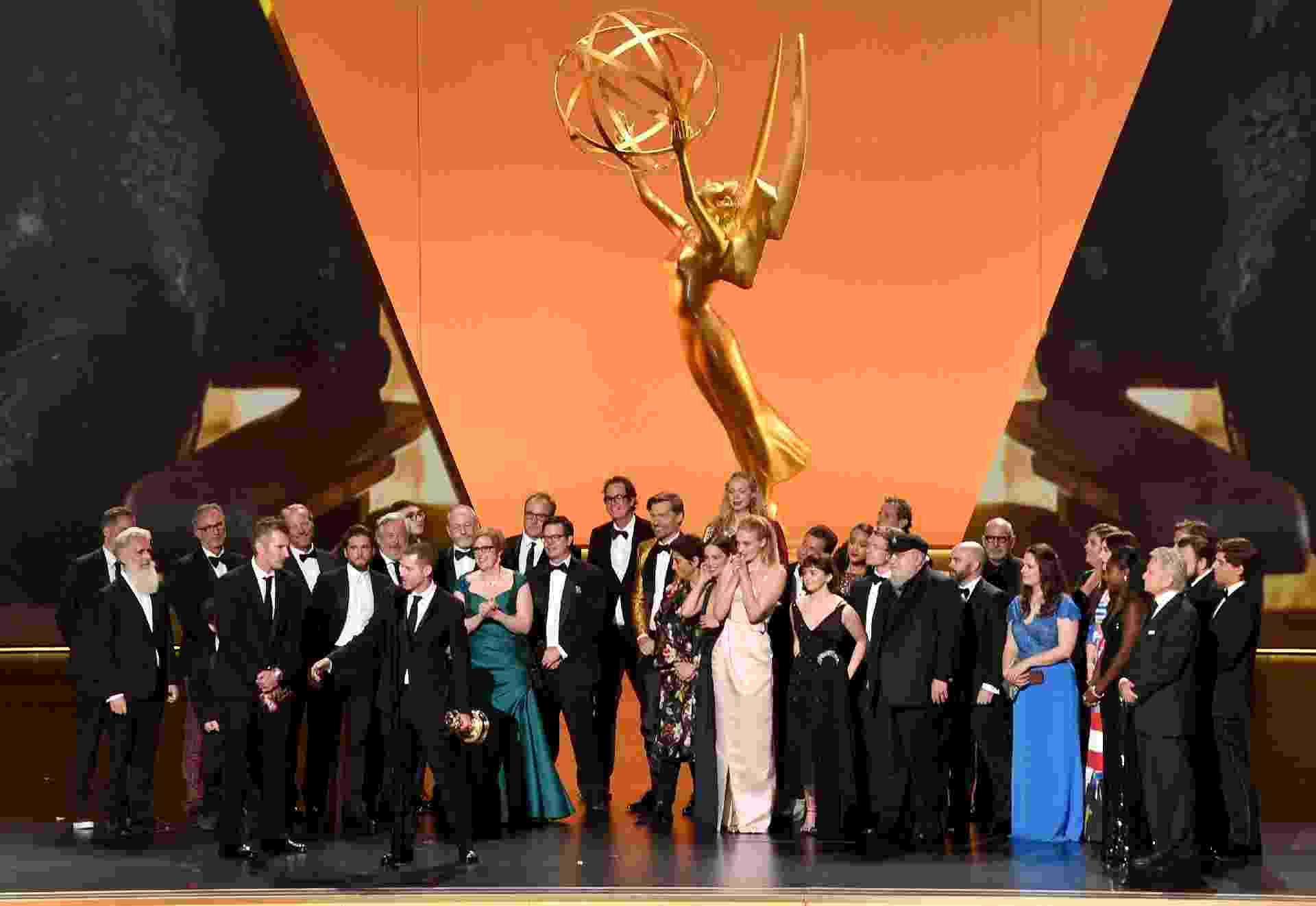 Elenco e equipe de Game of Thrones: Série da HBO levou prêmio por melhor drama - Kevin Winter/Getty Images