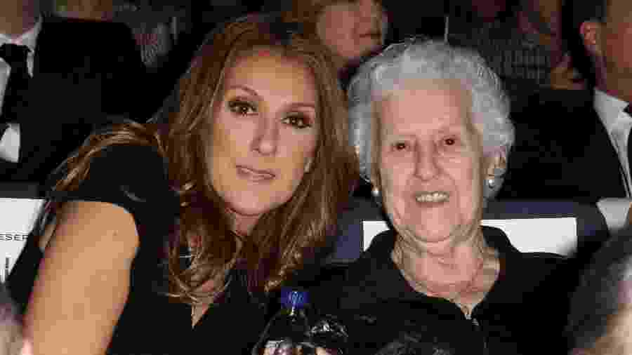 Celine Dion posa ao lado da mãe, Therese - Alexander Tamargo/Getty Images for Sony