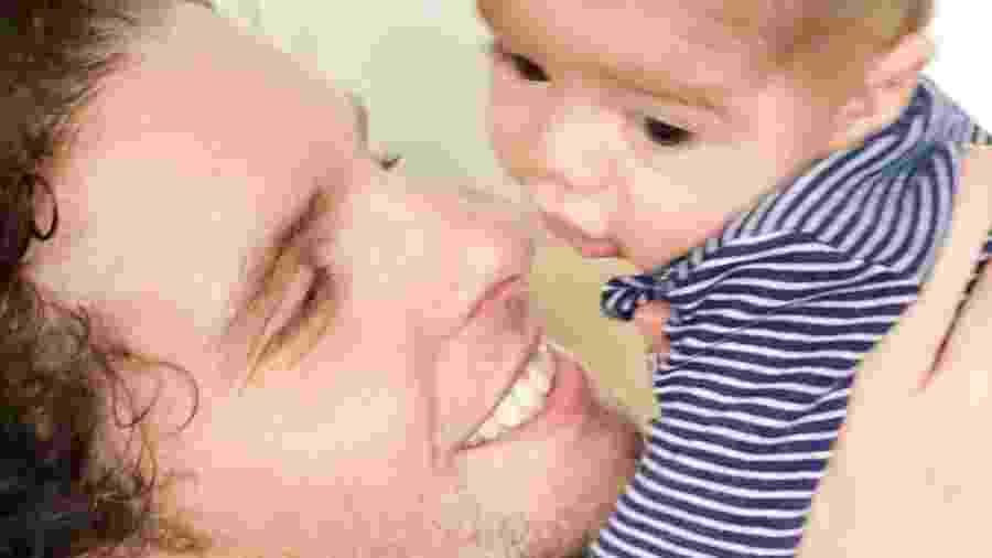 Thiago Fragoso ao lado do seu segundo filho, Martin - Reprodução/Instagram
