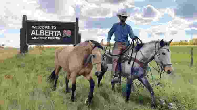cavaleiro das américas - Filipe levava sempre três cavalos que se revezavam para terem dias de descanso sem levar cargas ou montaria - Arquivo pessoal - Arquivo pessoal