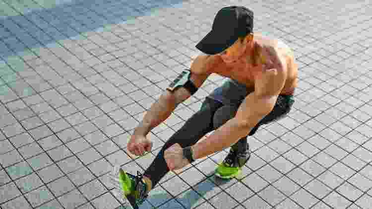 Agachamento unilateral, pistol, treino funcional, exercício, atividade física - iStock - iStock