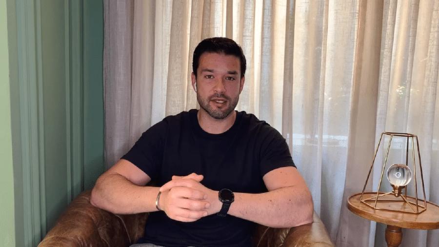 Sergio Marone criticou Mario Frias em publicação no Twitter - Reprodução/YouTube