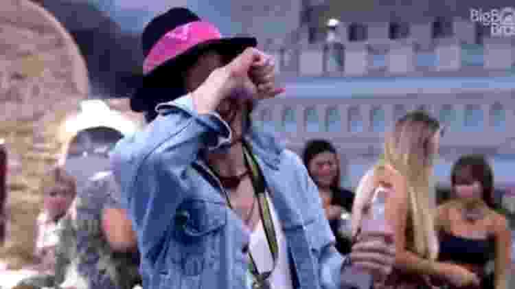BBB 21: Fiuk chora enquanto canta música de Harry Styles - Reprodução/ Globoplay - Reprodução/ Globoplay