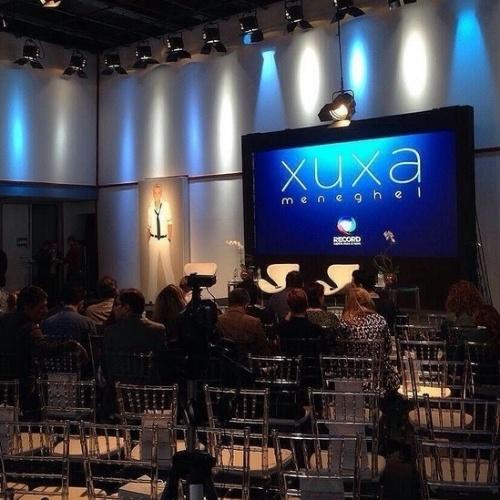 """11.ago.2015 - Jornalistas se reúnem em coletiva de imprensa do programa """"Xuxa Meneghel"""", que estreia no dia 17 de agosto na Record"""