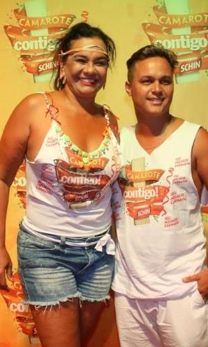 8.fev.2015 - Acompanhada do marido, Solange Couto curte o Carnaval de Salvador em camarote