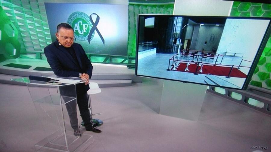 Galvão Bueno na transmissão do velório da equipe da Chapecoense - Reprodução/Globo