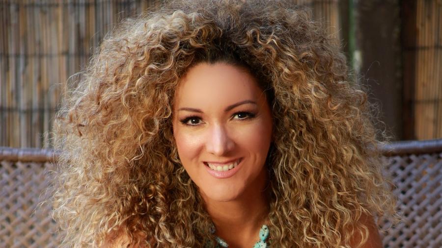"""A cantora panamenha Érika Ender, compositora do hit """"Despacito"""" - Divulgação"""