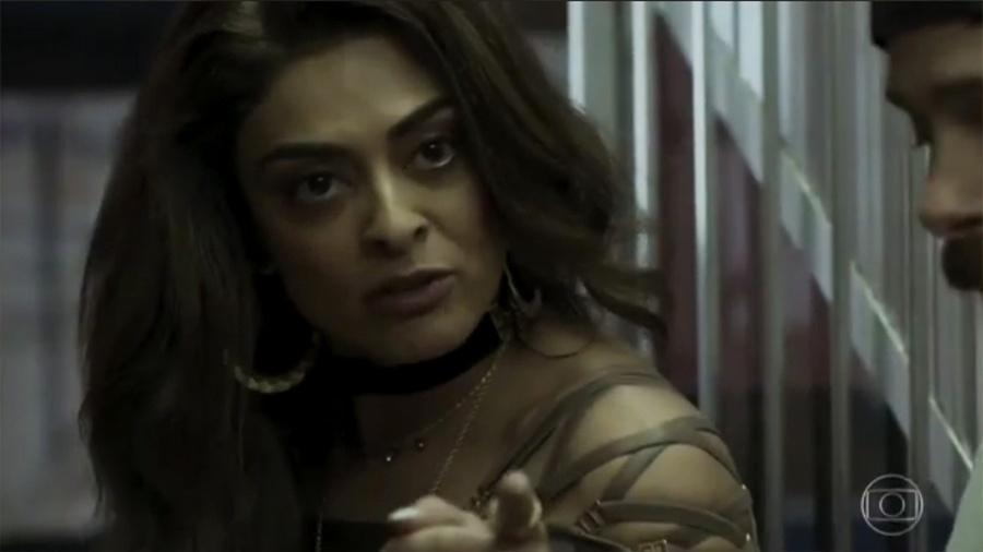 Bibi vai ao salão tirar satisfação com Carine (Carla Diaz) - Reprodução/Globo