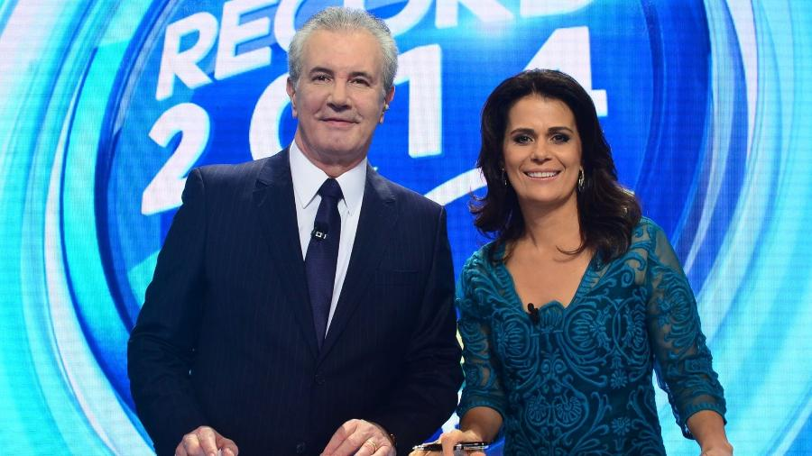 "Celso Freitas e Adriana Araújo, âncoras do ""Jornal da Record - Antonio Chahestian/ Record TV"