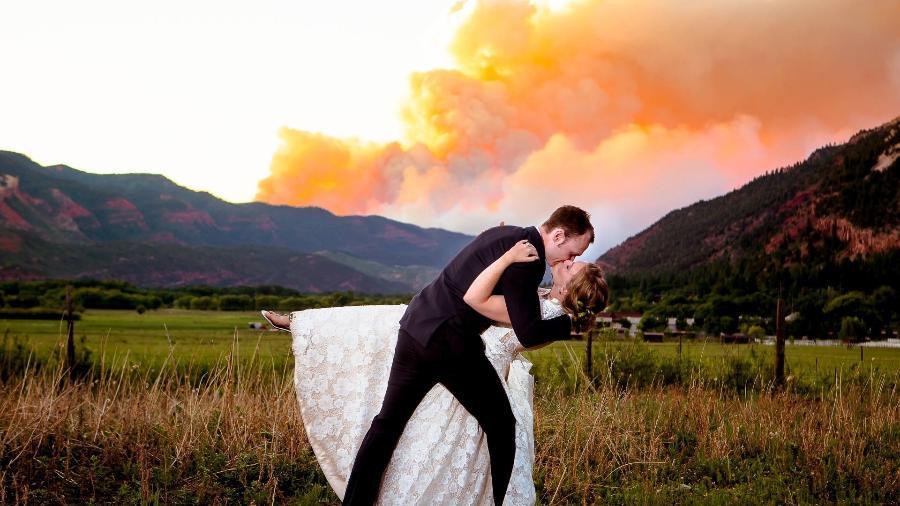 Casal casamento incêndio - Divulgação/Alexi Hubbell Photography