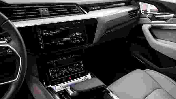 Interior do e-tron prevê mesmo nível de conectividade de A7, A8 e Q8 - Divulgação