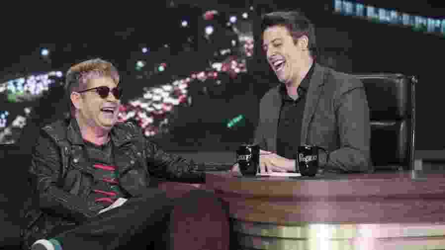 O cantor Roberto Leal com Fabio Porchat - Edu Moraes/Record TV