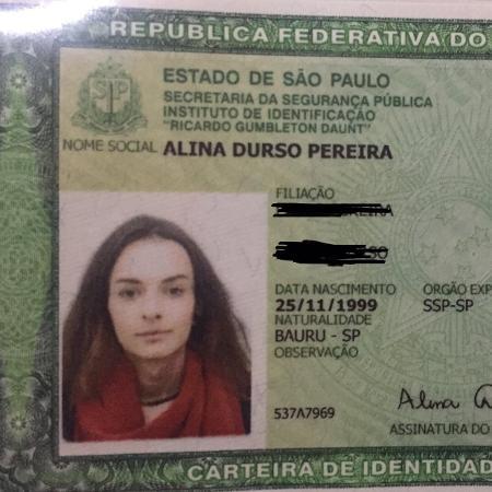 Alina incluiu o nome social no documento - Reprodução / Instagram