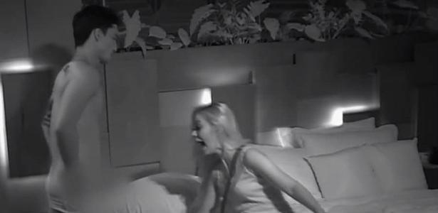 De Férias com o Ex   Dançarina explica grito após ver Naka pelado: 'Assustei'