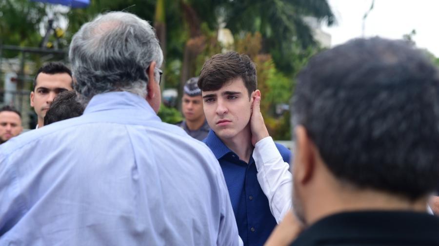 Filho de Gugu Liberato, João Augusto, chega ao velório na Alesp - Manuela Scarpa e Marcos Ribas/Brazil News