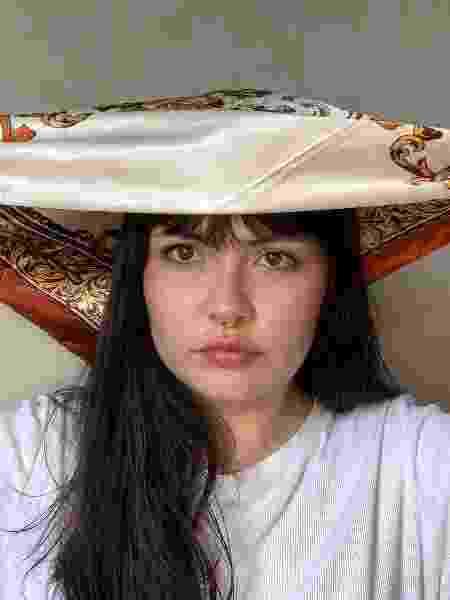Franja com lenço - foto 4 - Natália Eiras - Natália Eiras