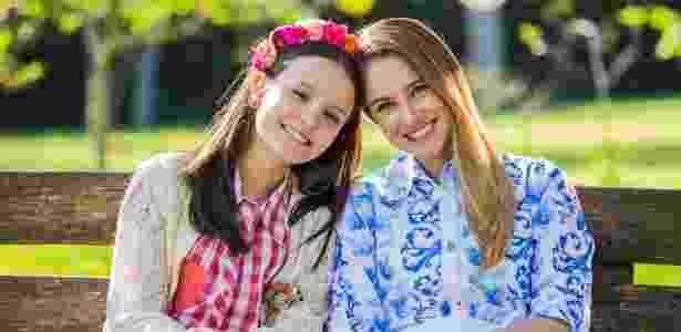 """Juliana Baroni é a mãe das gêmeas interpretadas por Larissa Manoela na novela """"Cúmplices de um Resgate"""" - Artur Igrecias/ SBT - Artur Igrecias/ SBT"""