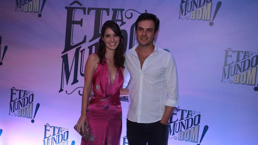 """Na festa de lançamento de """"Êta Mundo Bom!"""" no início do ano passado, Nathalia Dill e Sérgio Guizé chegaram sorridentes e confirmaram que o relacionamento estaria ficando mais sério na época - Marcello Sá Barretto/AgNews"""