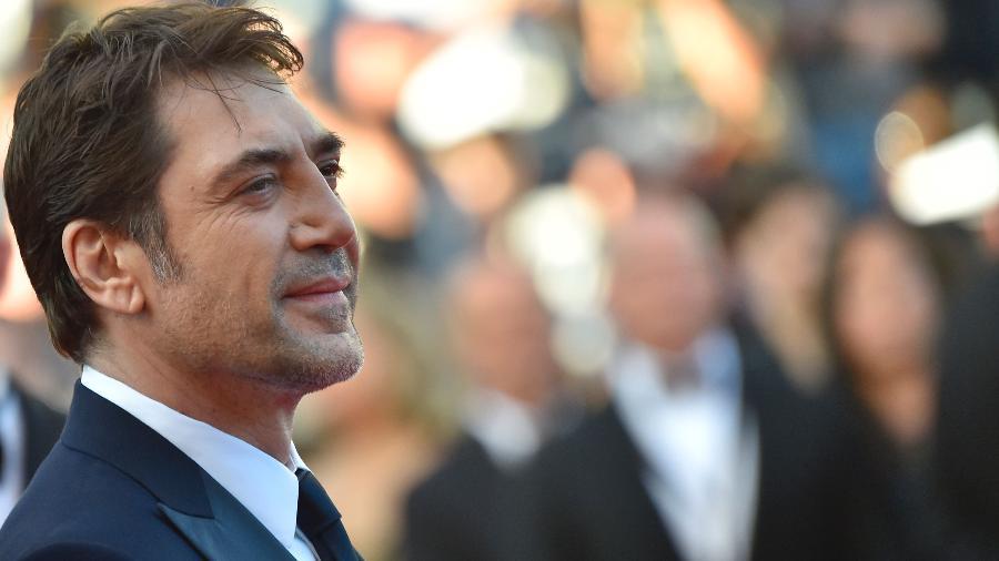O espanhol Javier Bardem chega ao tapete vermelho do Festival de Cannes 2016 - LOIC VENANCE/AFP