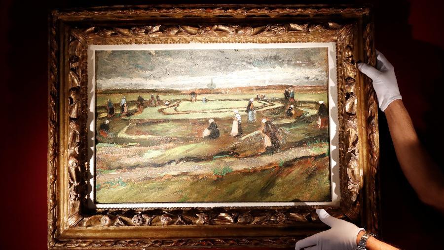 "Obra pintada por Van Gogh, ""Raccommodeuses de filets dans les dunes"" foi leiloado por US$ 8 milhões - REUTERS/Gonzalo Fuentes"