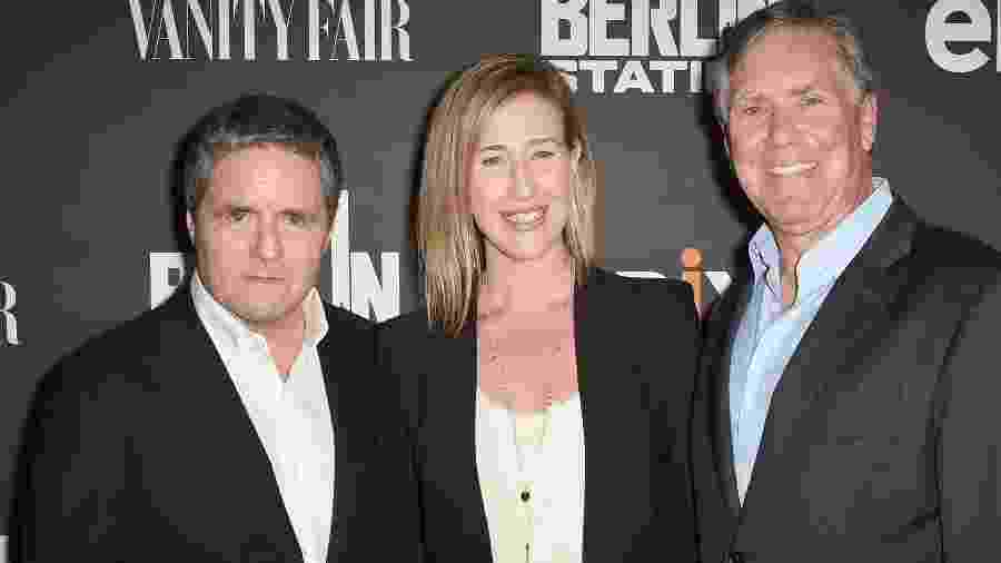 Amy Powell, ao centro, com outros executivos de TV - Getty Images