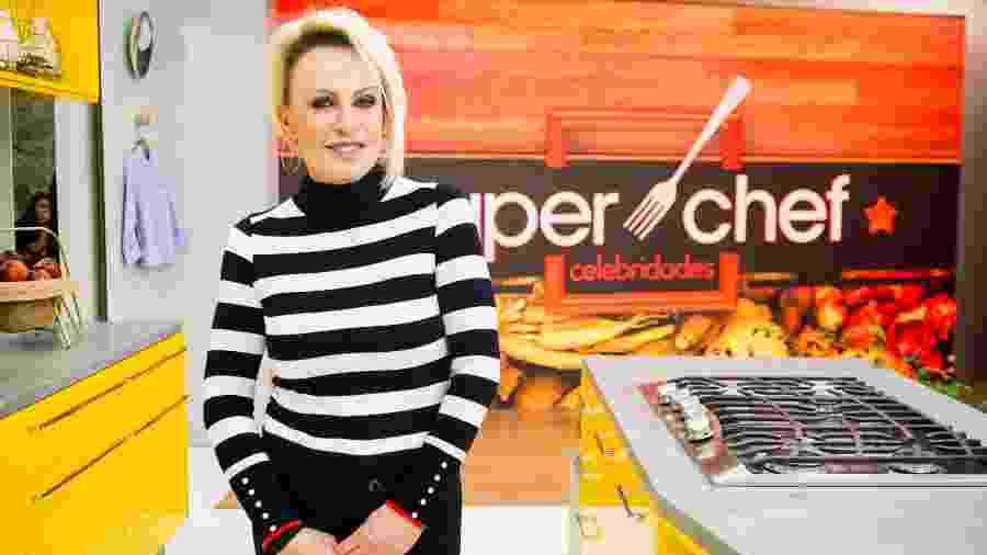 """Ana Maria Braga apresenta participantes de quadro """"Super Chef"""" - João Cotta/Globo"""