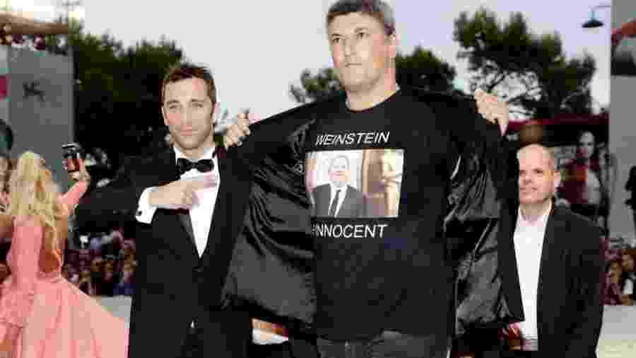 Luciano Silighini Garagnani posa com camisa pró-Weinstein - Getty Images