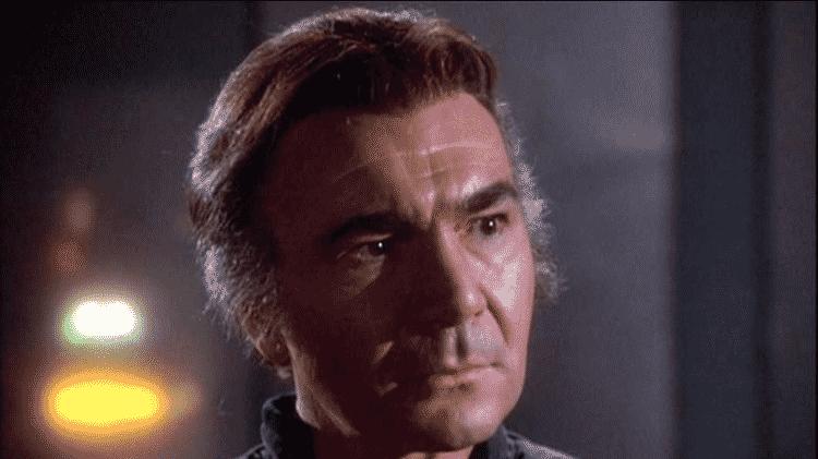 """O ator John Colicos em cena de """"Battlestar Galactica"""" - Reprodução"""