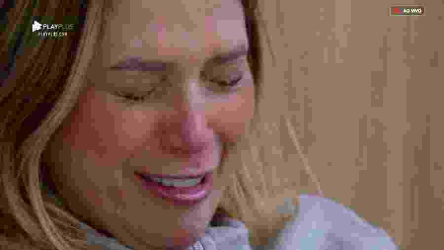 Nadja Pessoa se emociona após a almoço - Reprodução/PlayPlus