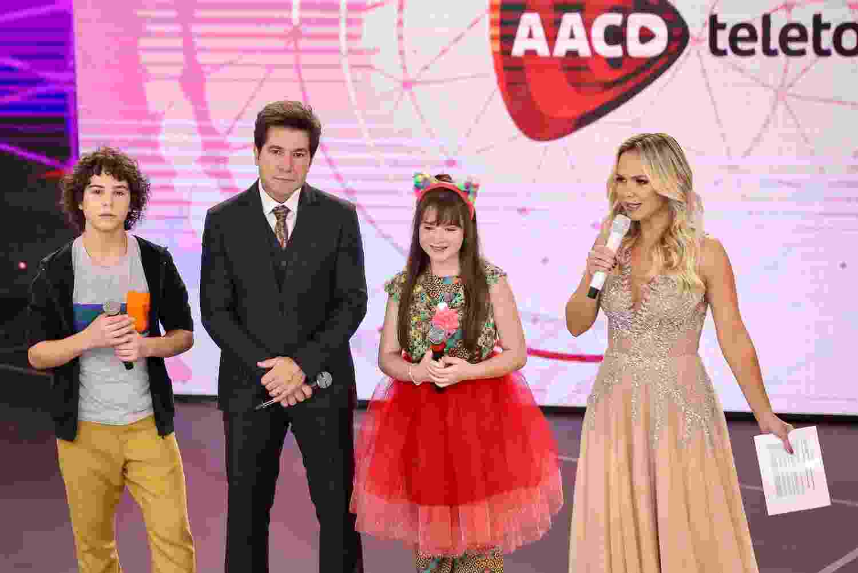 Famosos e elenco do SBT participam do Teleton na noite desta sexta-feira (9) - Manuela Scarpa/Brazil News