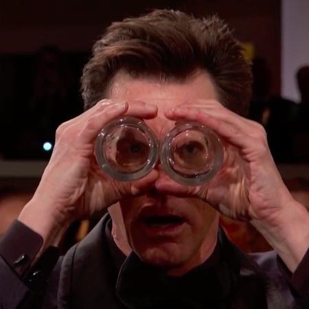 Jim Carrey faz piadas na abertura do Globo de Ouro 2019 - Reprodução/Twitter