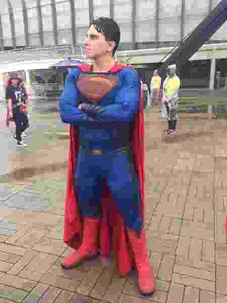 Superman é um dos cosplays presentes no Rock in Rio no Parque Olímpico - Renata Nogueira/UOL