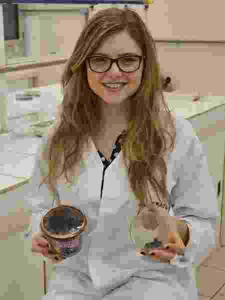 Raíssa Müller desenvolveu membrana de alta absorção enquanto era estudante do curso técnico em química - Arquivo pessoal