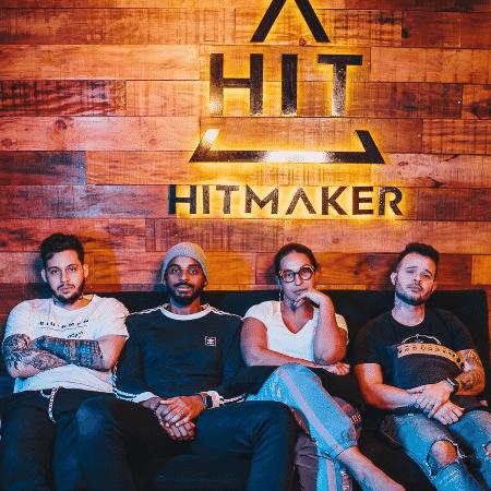 Valesca Popozuda e o trio da Hitmaker, que compôs Furduncinho - Reprodução/Instagram/valescapopozuda