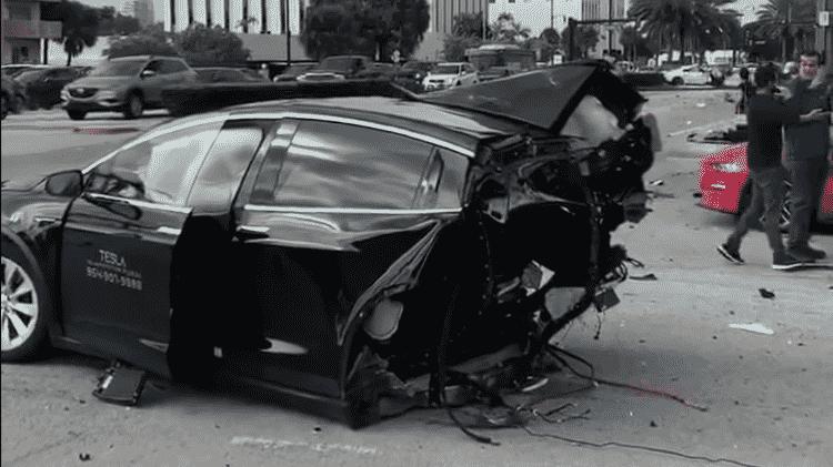 Greg Ferreira Miami Tesla Model S partido ao meio Nissan GT-R - Reprodução - Reprodução