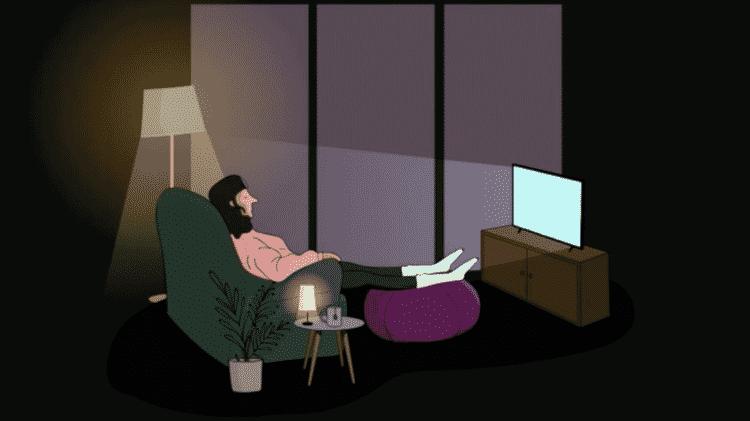 mulher vendo televisão à noite - BBC Ideas / Ripple Pictures - BBC Ideas / Ripple Pictures