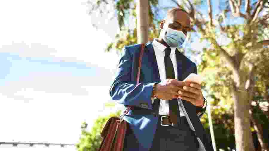 Mesmo após o início da vacinação, deveremos seguir usando máscara para não espalhar o coronavírus - iStock