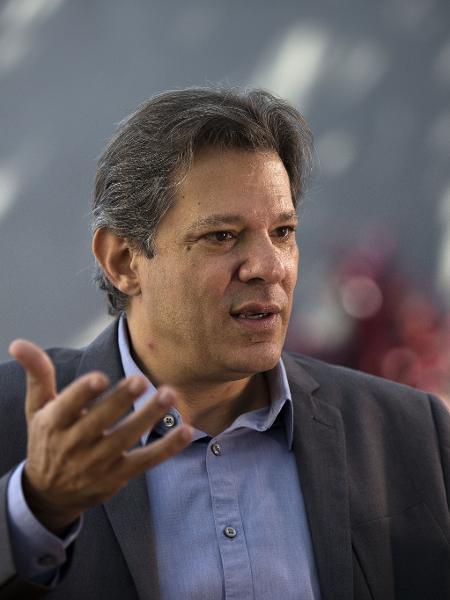 Fernando Haddad em sua casa, durante entrevista a Folha - Marlene Bergamo/Folhapress
