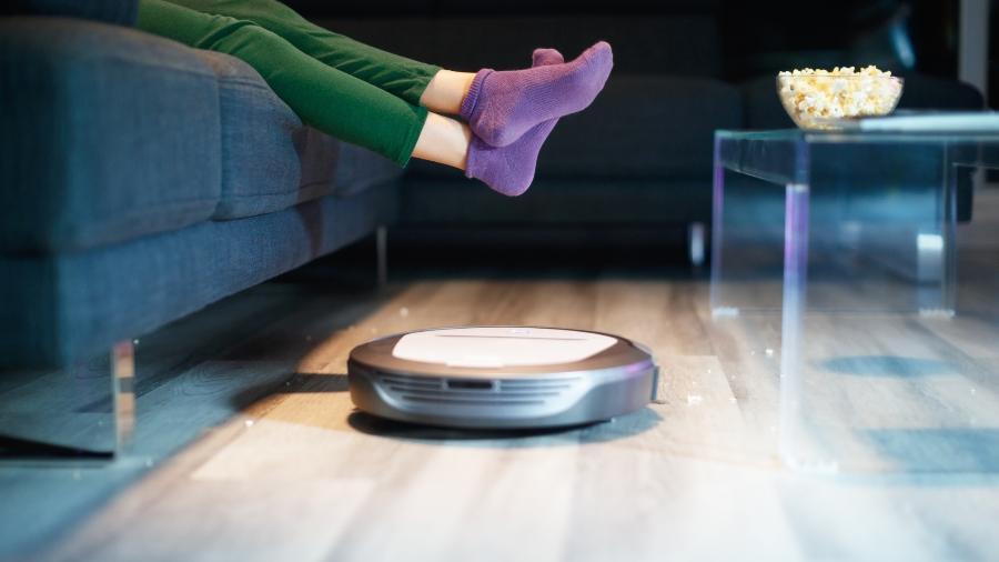 O aspirador robô é uma tendência em casas inteligentes e oferece praticidade - Getty Images