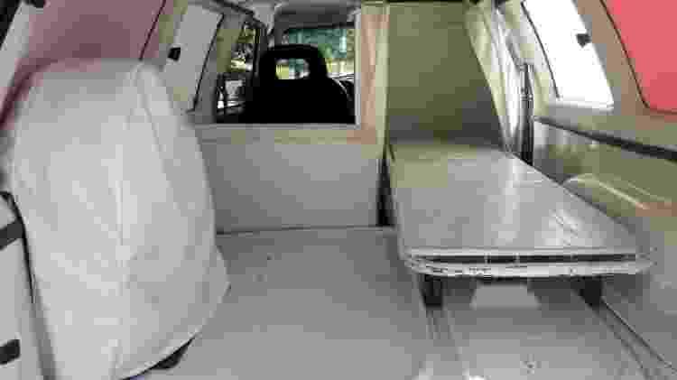 Interior da Ipanema tem maca e estepe nunca foi utilizado, de acordo com o proprietário - Arquivo pessoal - Arquivo pessoal
