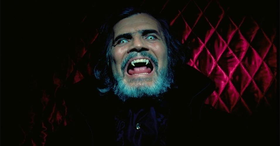 """Em """"O Beijo do Vampiro"""", de 2002, Tarcísio Meira encarnou o vampirão Bóris Vladescu. A caracterização do personagem era pesada e dava um certo medo"""