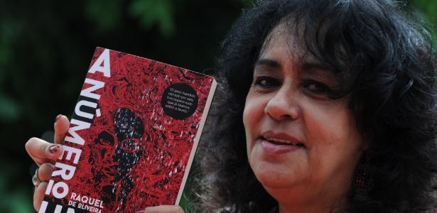 A escritora Raquel de Oliveira escapou da violência do vício nas drogas - Tasso Marcelo/AFP