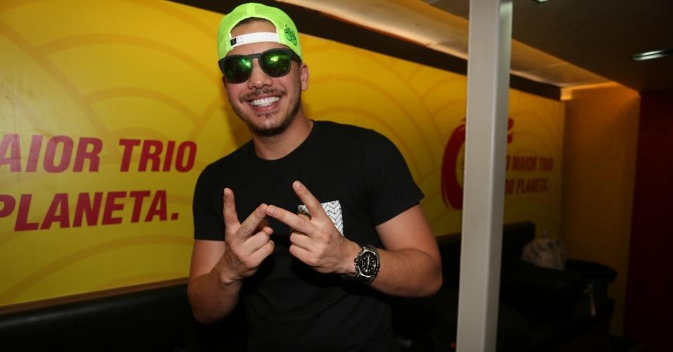 Wesley Safadão antes de se apresentar com seu trio Cocobambu, sua estreia no circuito Barra-Ondina, em Salvador