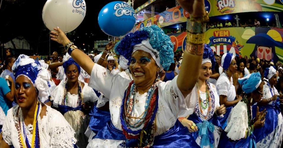No bloco Alerta Geral, baianas levam alegria à folia de Salvador